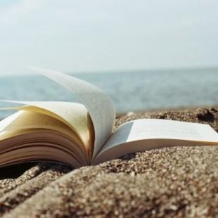 Cosa leggere sotto l'ombrellone? Consigli di lettura