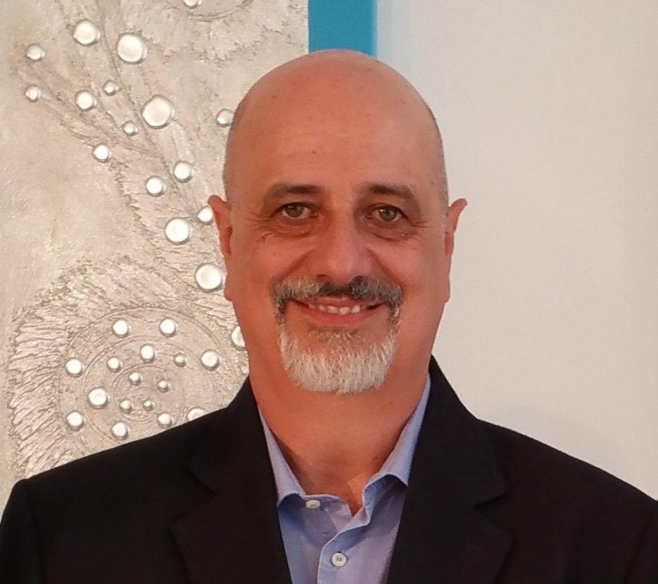 Lo scrittore Ugo Moriano parla di sè e dei suoi libri